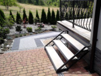 Metalowa konstrukcja schodów